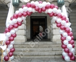 The Large Spiral Balloon Arch