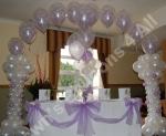 balloon arch for a wedding