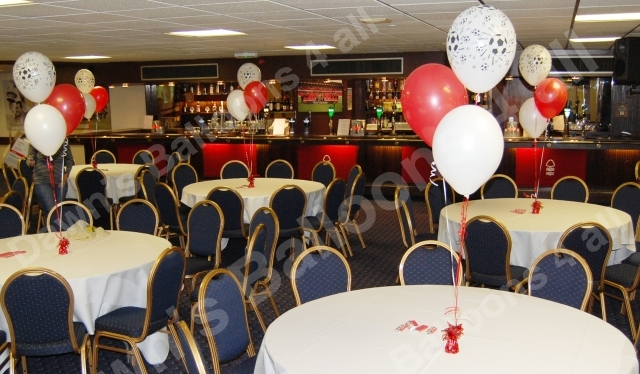 Wedding anniversary birthday balloon decoration nottingham dawns balloon table decorations at nottingham forest football ground junglespirit Image collections